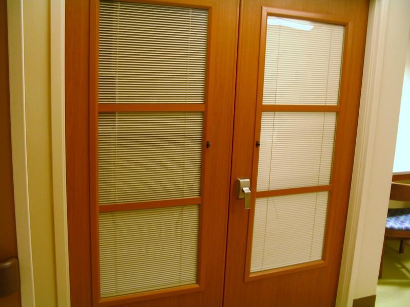 IE; Blinds Wood Door Systems