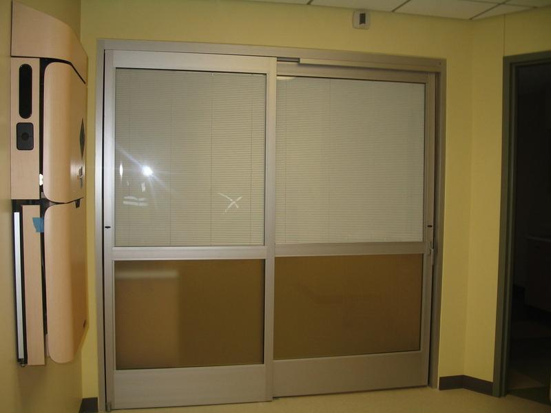 IE Blinds Aluminum Sliding Door